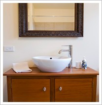 Kincaid Cottage - bathroom